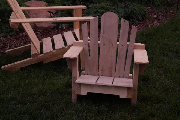 repurposed pallet adirondack chair for kids