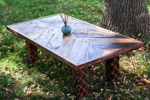 DIY Pallet Chevron Coffee Table with Modern Legs