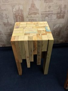 DIY Pallet Side Table – Pallet Coffee Table