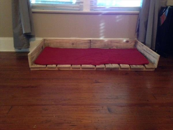 recycled pallet dog or cat bed