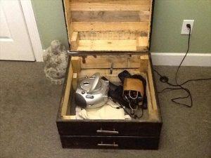 Pallet End Table – Storage Box / Keepsake Box