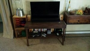 DIY Pallet Two Tiered TV Stand