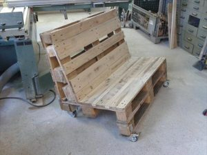 reclaimed pallet two seated with wheels
