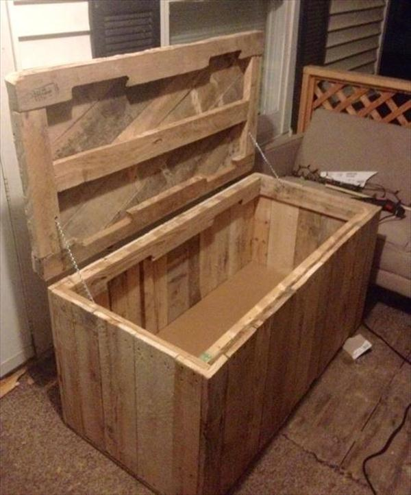 DIY Pallet Wood Chest Trunk Furniture Plans