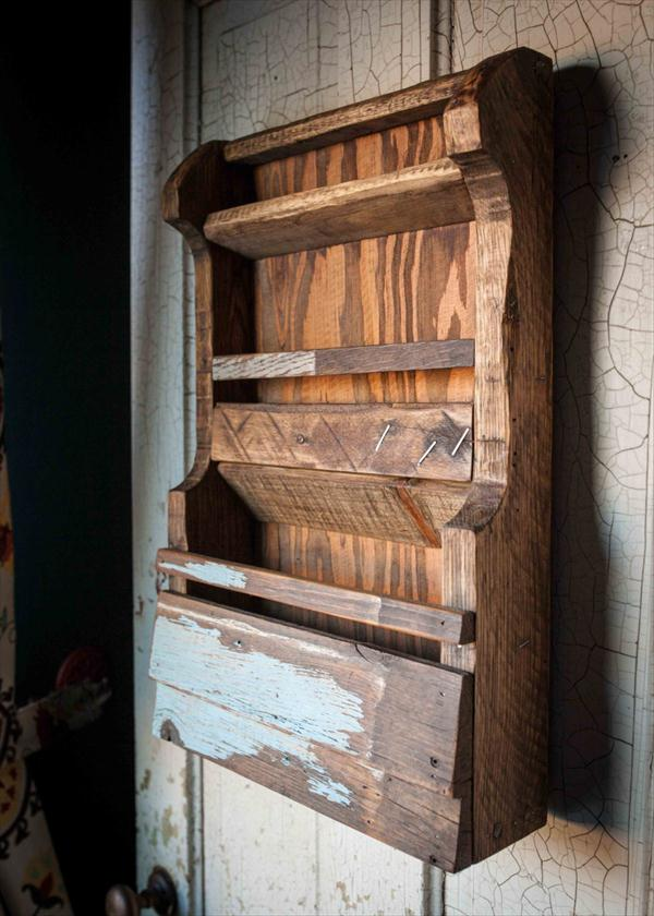 Diy Pallet Wall File Mail Organizer And Book Rack