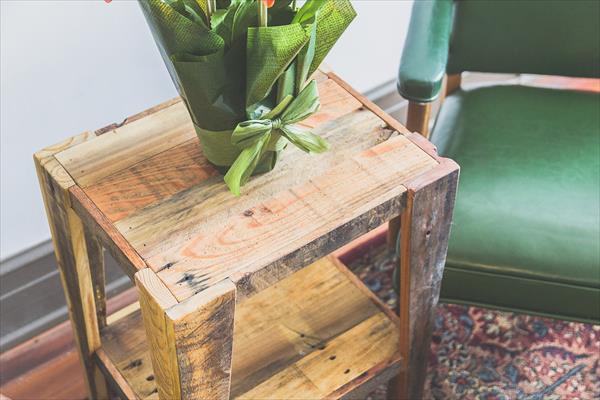 vintage pallet side table