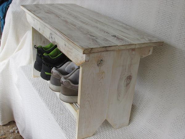 recycled pallet farmhouse bench and coffee table