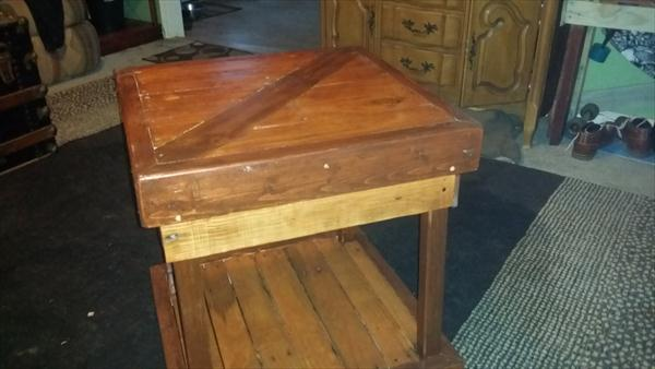 recycled pallet end table and coffee table