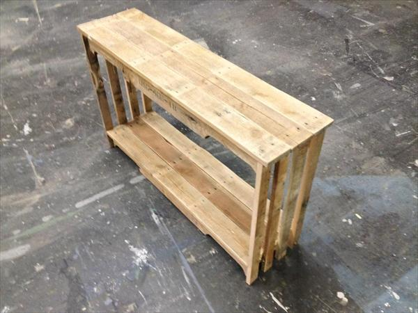 recycled pallet table and bookshelf