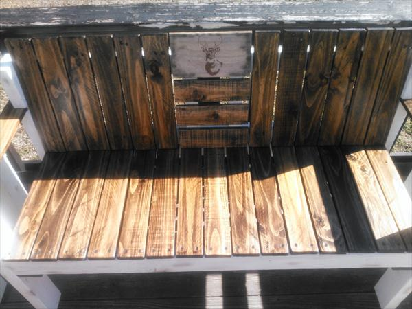 recycled pallet ridge bench