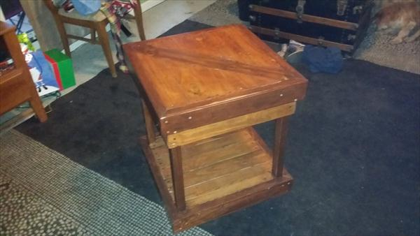 rustic pallet side table and nightstand