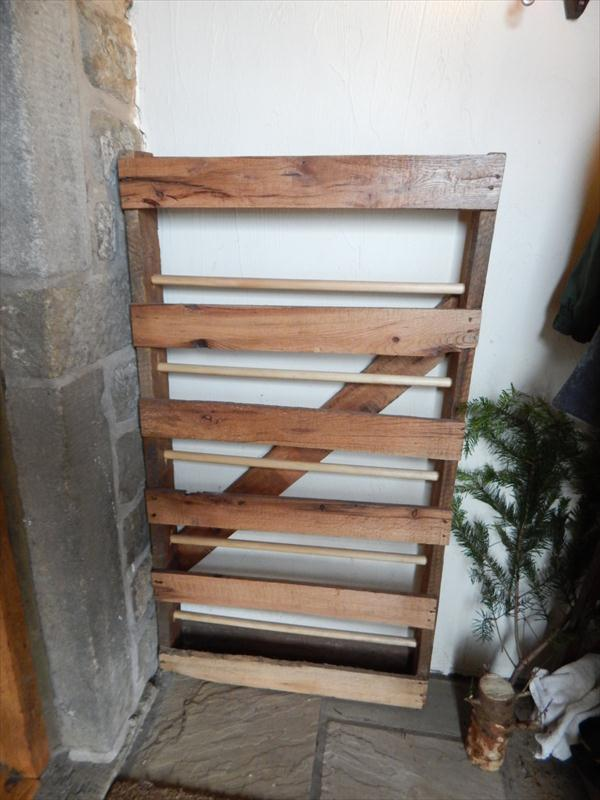 Diy Pallet And Dowels Shoe Rack Pallet Furniture Plans