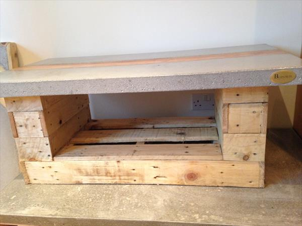 recycled pallet table with concrete top