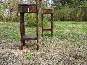DIY Pallet Nightstands or Side Tables