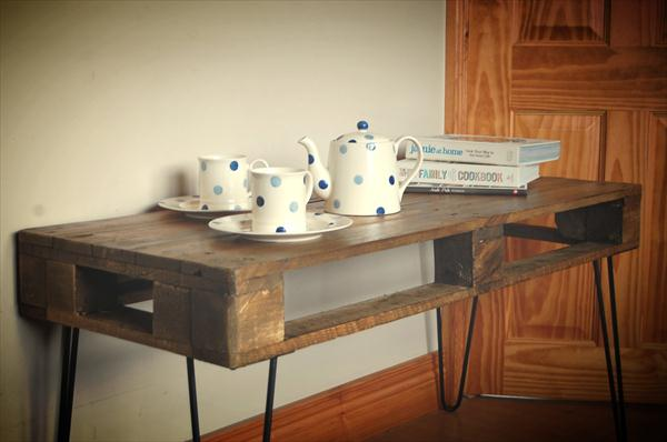 Diy Pallet Coffee Table With Metal Hairpin Legs Pallet Furniture Plans
