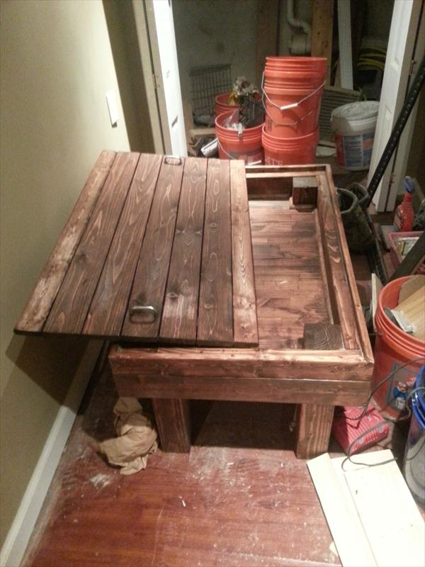 Diy Rustic Pallet Coffee Table With Secret Stash Pallet Furniture
