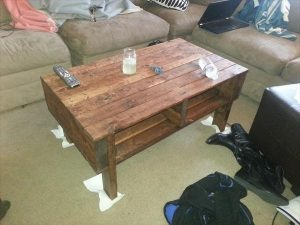 DIY Simple Functional Pallet Coffee Table