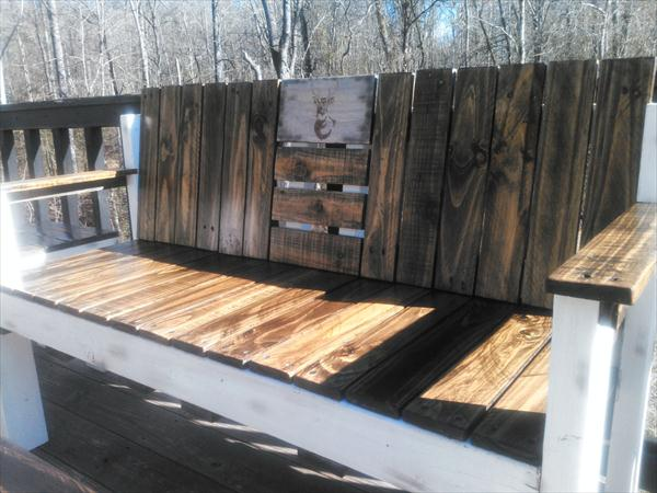 upcycled pallet ridge bench