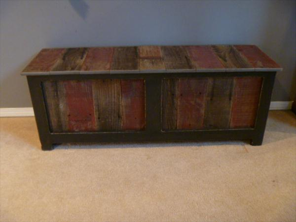 upcycled pallet sturdy mudroom bench