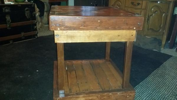 easy-to-build pallet side table and nightstand