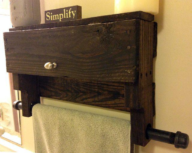 DIY Pallet Towel Rack with Shelf