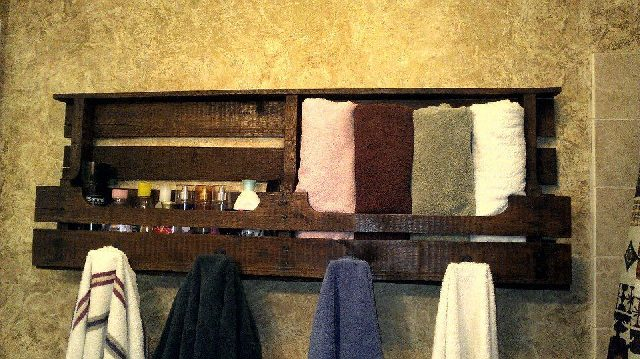 DIY Pallet Towel Rack with Shelf
