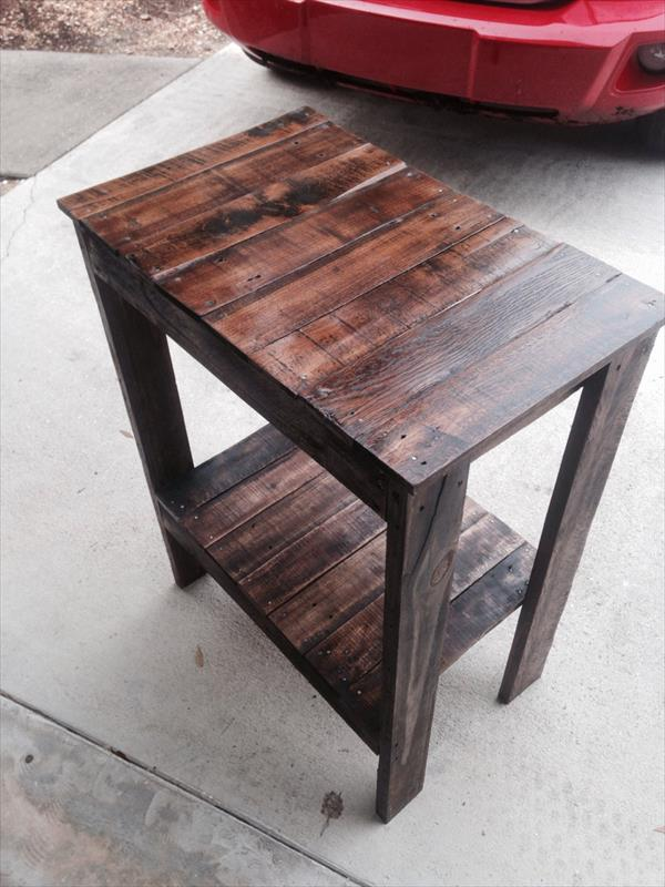 recycled pallet end table and entryway table