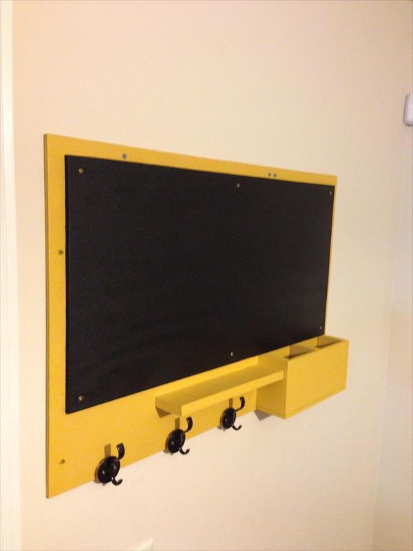 reclaimed pallet chalkboard
