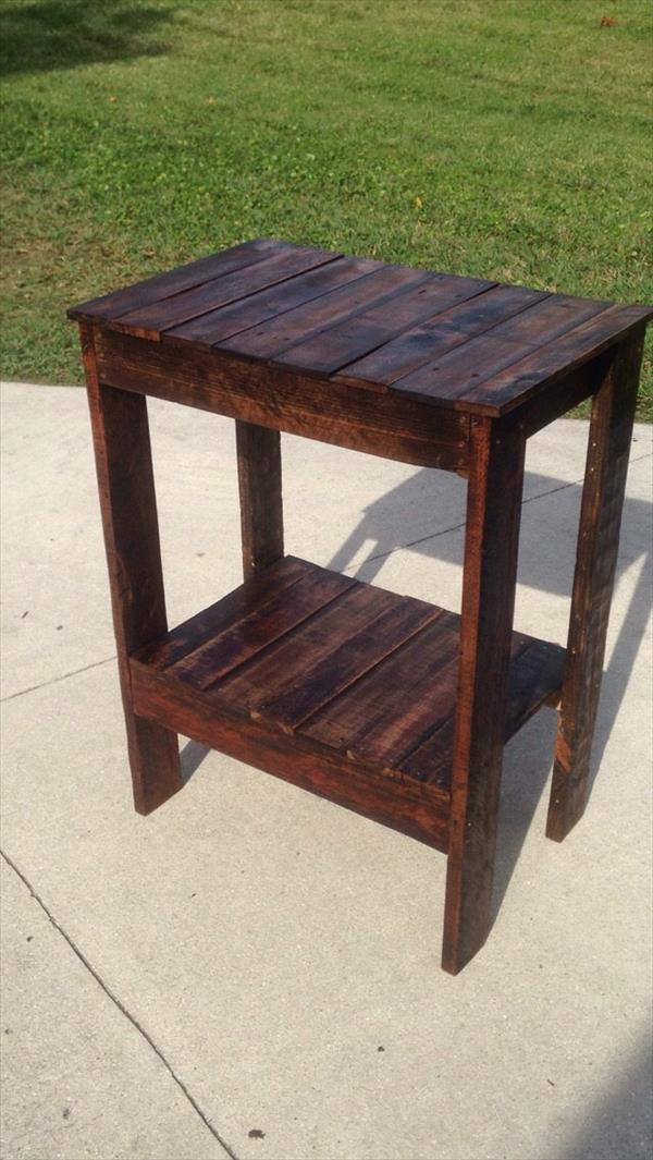 reclaimed pallet end table and entryway table
