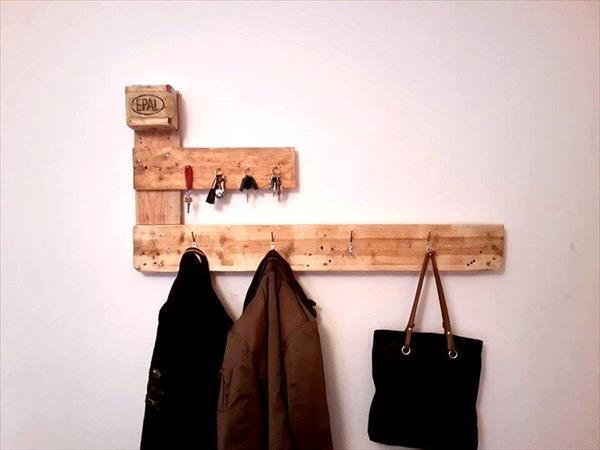 repurposed pallet dual purpose wall organizer