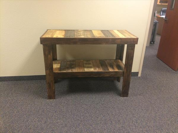 reclaimed pallet entryway and hallway table