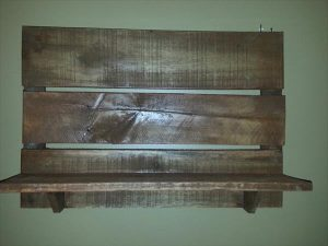 DIY Rustic Wood Pallet Wall Shelf