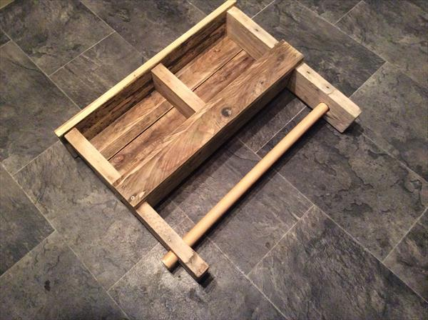 upcycled pallet shelf and towel rack