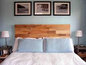 DIY Reclaimed Wooden Pallet Headboard