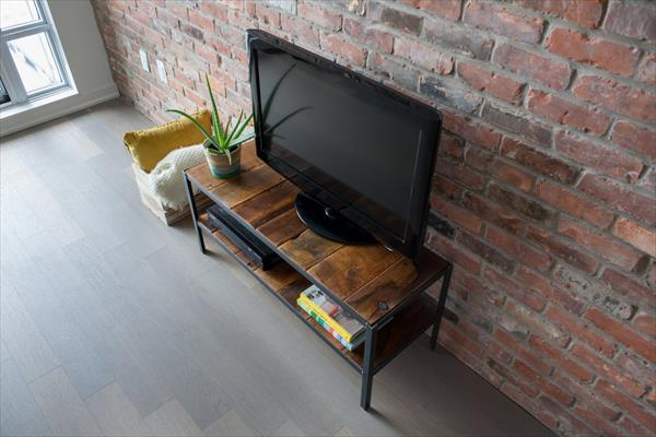 recycled pallet TV stand and media console