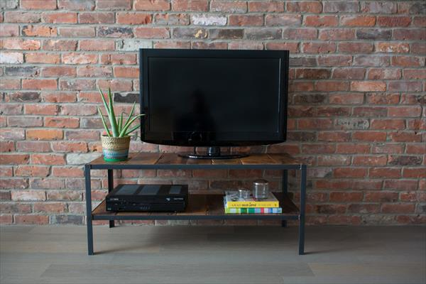 handmade wooden pallet TV stand with steel frame