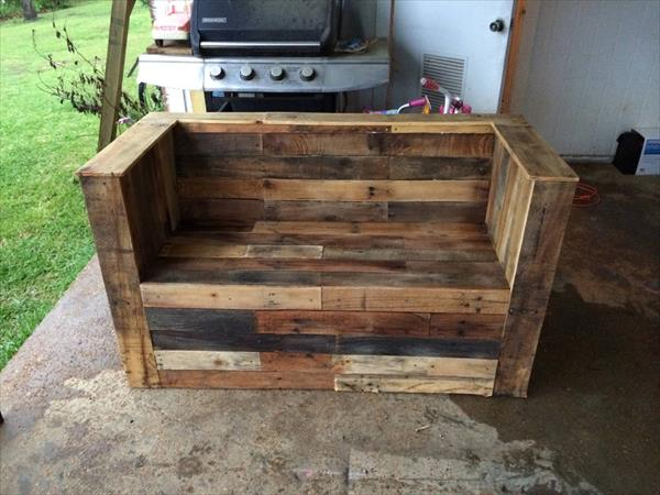 recycled pallet beefy bench