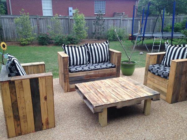 repurposed pallet beefy patio furniture set