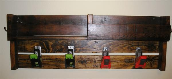 upcycled pallet coat rack with ski bindings