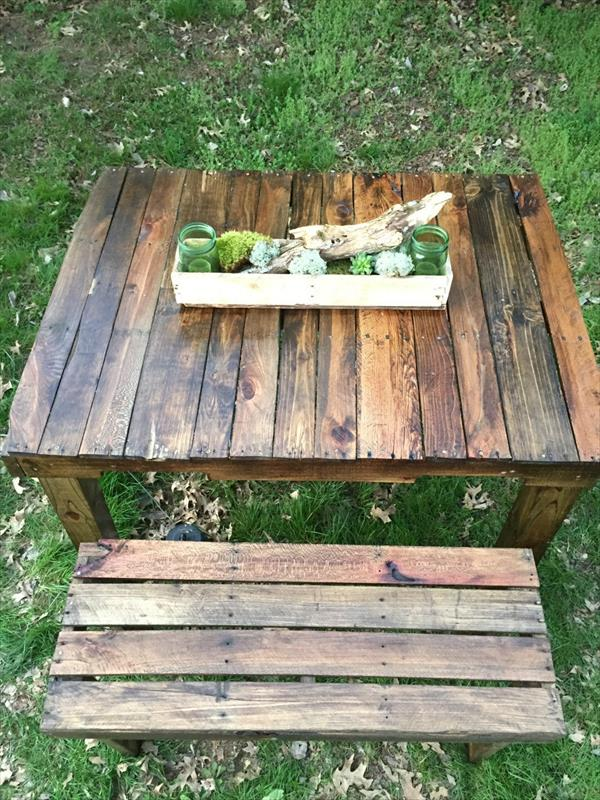 upcycled pallet picnic table