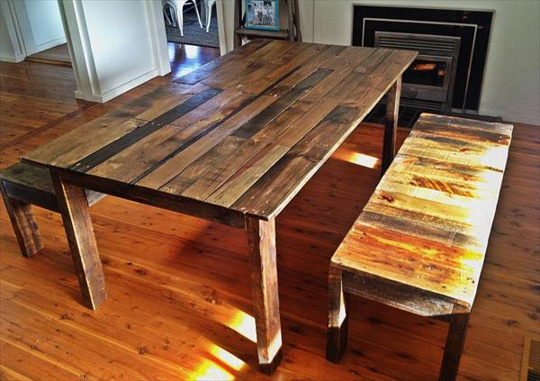 Pallet dining table with benches pallet furniture plans for Palette table de jardin