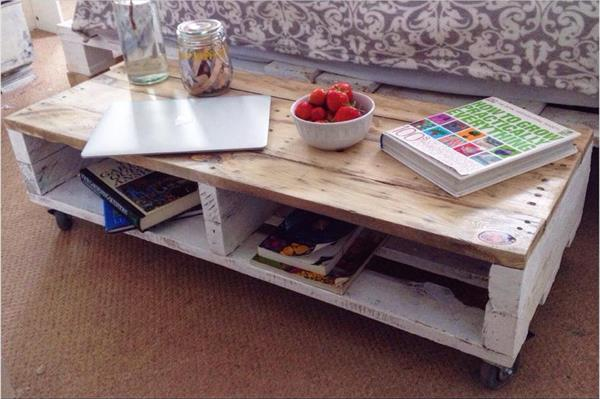 reclaimed pallet farmhouse styled coffee table