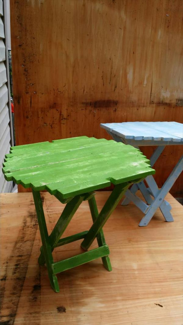 recycled pallet portable table with glass cutouts