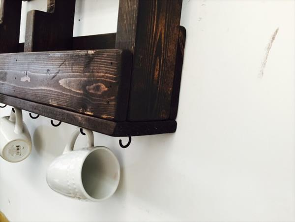 recycled pallet coffee cup holder