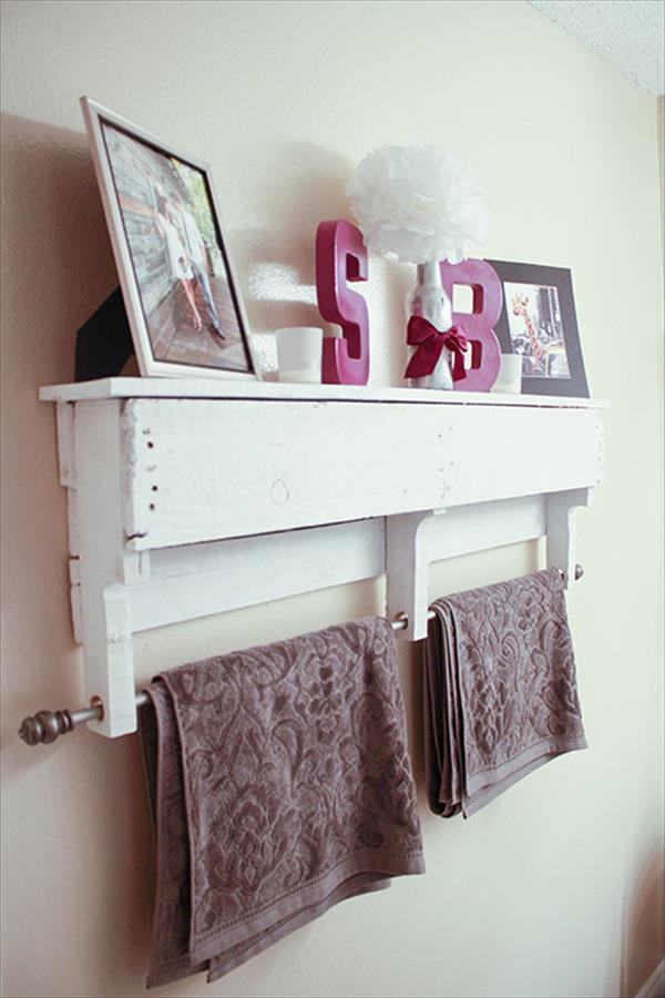 White Pallet Shelf With Towel Rack Pallet Furniture Plans