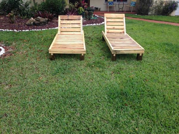 DIY Pallet Outdoor Chaise Lounge Chairs