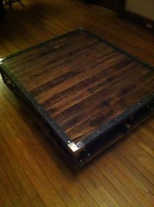 DIY Pallet Coffee Table with Metal Edging!