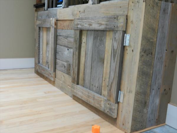handmade wooden pallet media table