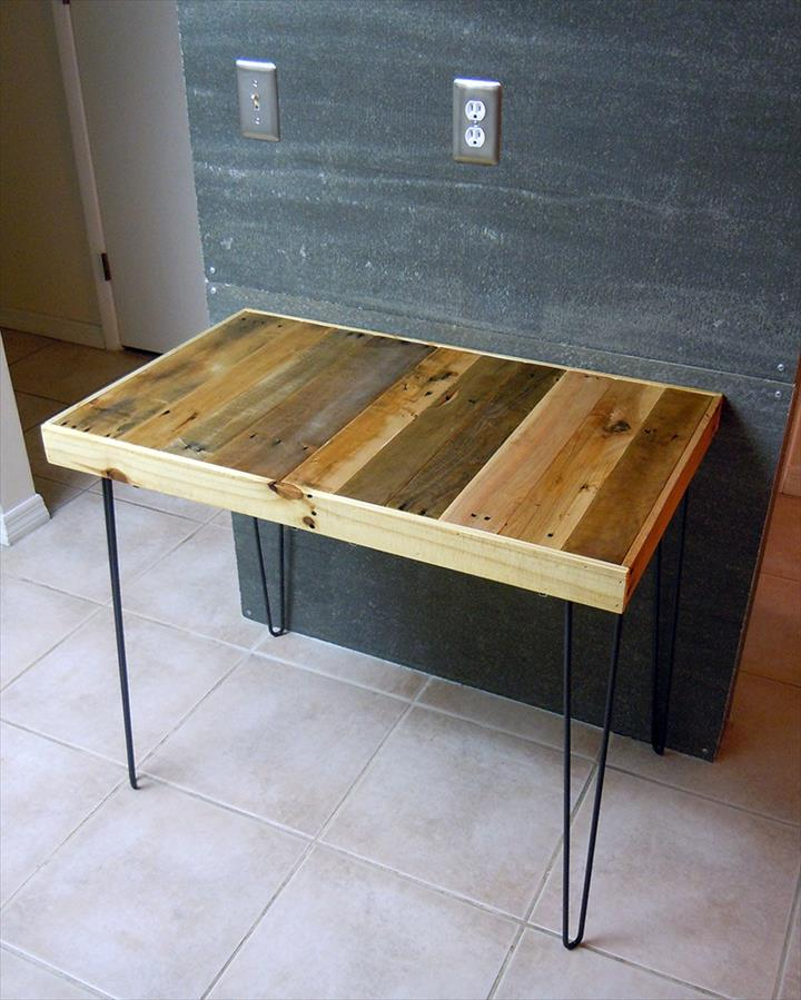 Reclaimed pallet breakfast table