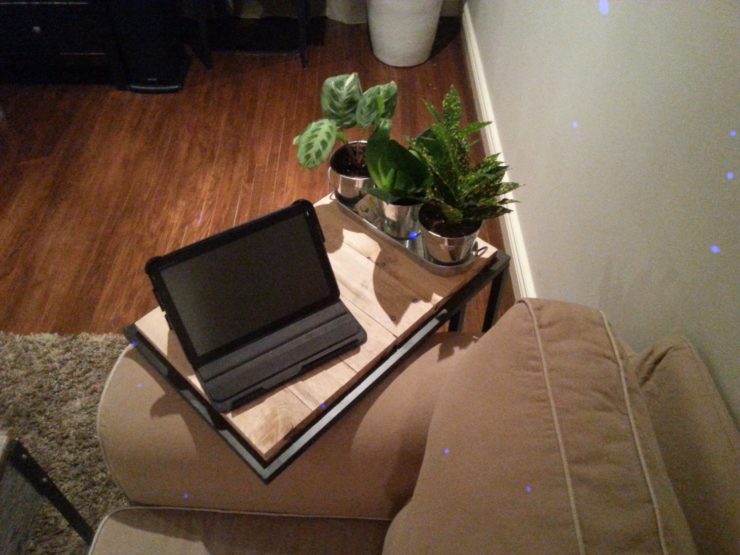 Repurposed pallet laptop side table